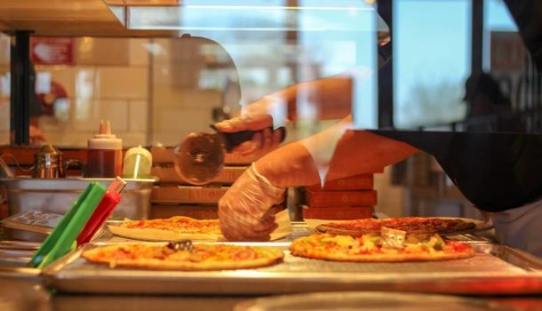 Blaze Pizza-Cutting